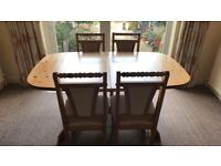 5ft pine extending dining table plus 4 chairs