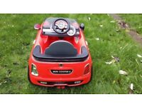 Childrens battery car toy