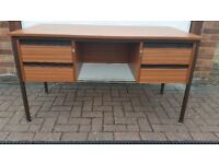 MODERN 4 DRAWER DESK WITH WITH KEYS FOR DRAWERS