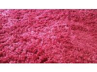 Beautiful shaggy rug 167cm x 228cm