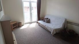 Modern 2-bed flat in PR1 to Rent