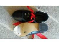 Childrens tap shoes