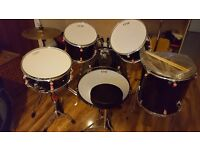 5 piece drum kit with spare cymbal