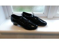 Dancing shoes, mens Size 8. BRAND NEW