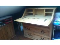 DESK AND DRAWERS IN ONE BEAUTIFUL SOLID WOOD PIECE,GREAT CONDITION,SEE ALL PICS,NO OFFERS AS BARGAIN