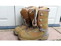 Prospect 32 boots size 9uk in used condition! can deliver or post!