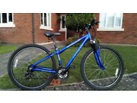 Small mountain bike.. 14 inch frame.. Rides well £45
