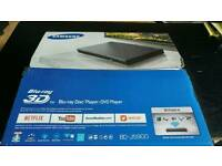 SAMSUNG CURVED SMART 3D BLU-RAY DVD PLAYER.AS NEW IN BOX.