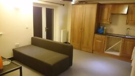 St. Albans Private Studio flat with garden 185pw + inc bills