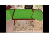 Foldable puzzle table
