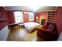 master Double Size Room in girl House Flat Share -- mint pie