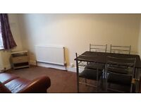 2 Bedroom Flat close to Ilford Station