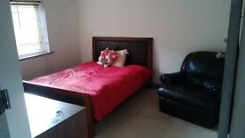 Double Room to rent in clean, homely Shared House inclusive of bills - Nice tenants/Landlords