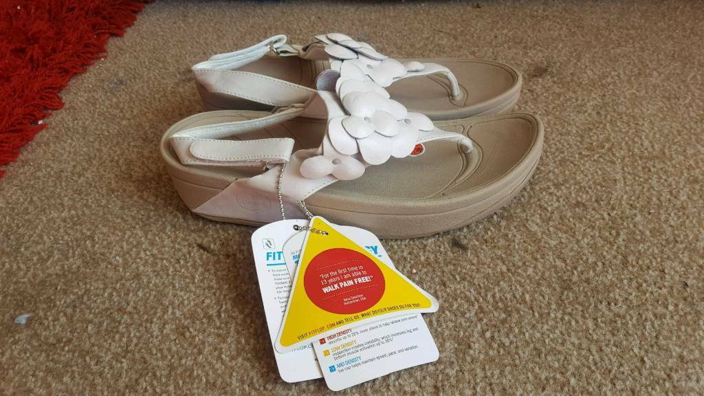 74b783d94 white leather and beige fleur floral sandals from fitflop size 5 brand new  with tags