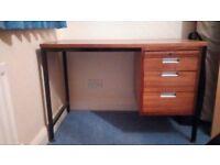 Compact desk - good condition
