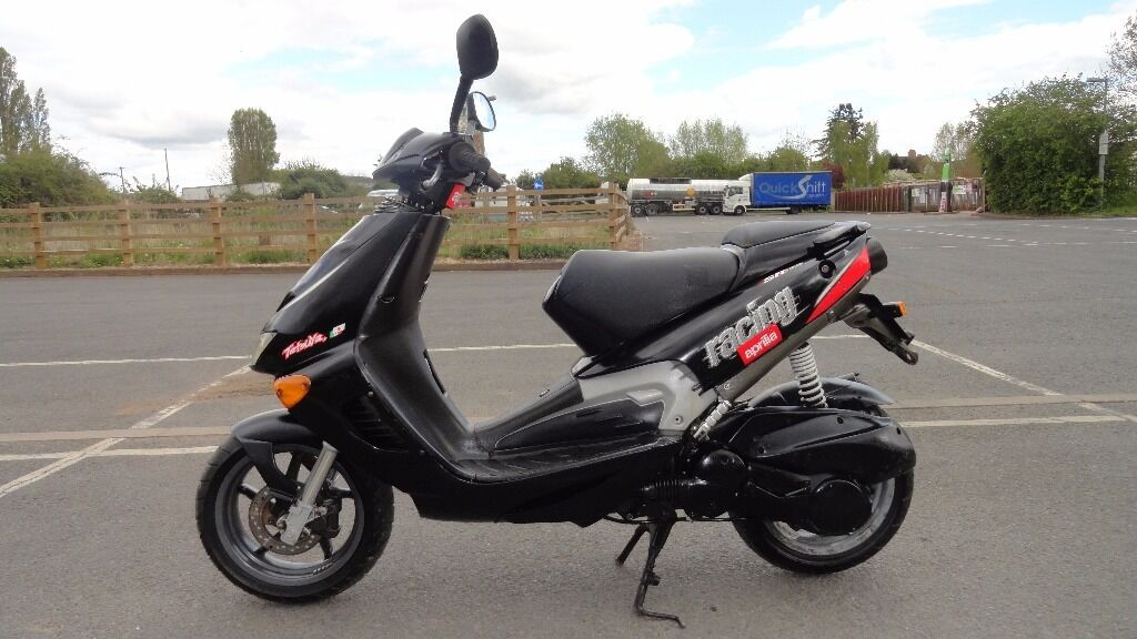 2000 aprilia sr125 sr 125 sporter scooter moped 2t 70mph gwo new mot tax v5 gc in upton upon. Black Bedroom Furniture Sets. Home Design Ideas