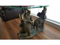 3 Elephants table