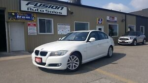 2011 BMW 3 Series 323i-PREMIUM PKG, SUNROOF, 1 OWNER OFF LEASE