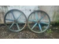 Cast-iron mill wheels