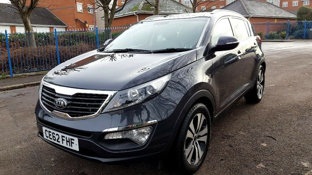 2012 grey kia sportage 1 7 crdi 3 2wd 5 door suv panoramic roof leather seats miles in. Black Bedroom Furniture Sets. Home Design Ideas