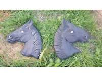 x2 stone horse head plaques