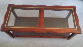 Polished Mahogany Coffee Table with Glass top inserts, Great Condition