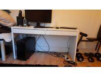 IKEA computer desk in a good condition
