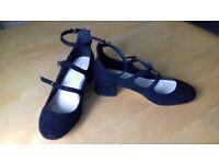Ladies size 5 black multi-strap low heel suede shoes