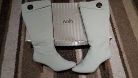 Wallis Size 6 Stone Coloured Boots