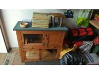 Rabbit hutch and run with lots of accessories and food