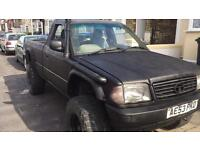 Off roader 4x4 pickup diesel