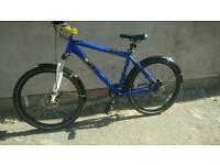 !!DiomondBack M-30 MTB!! Vgc, dual disc brake,lock_out forks, 26'' rims, upgrades, cheap bike