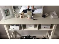 White wood dressing table with mirror