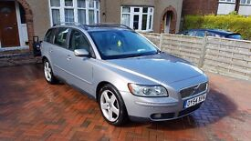 Volvo V50 SE, Leather seats, A/C, Airbags, CD Changer, Heated seats, Alloy wheels, Alarm