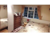 stunning double room to rent, 5 mins from hanger lane station.