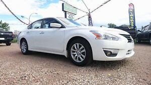 2015 Nissan Altima 2.5 S   Easy approvals!   Call Today!