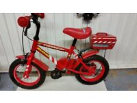 Boys red bicycle age 4-6 approx