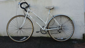 White Retro Raleigh Ladies Road Racing Bike - 50cm - Fully Serviced inc New Tyre, Cables, Bar Tape