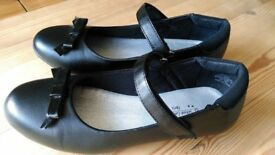 Girls Black School Shoes With Bows Size 4 Older Kids