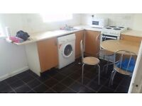 Luton LU3 2/3 BEdroom Flat with PArking Available Now £210 Per Week