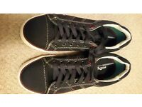 Moshulu Mens Canvas Shoes
