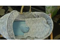 im selling my baby moses basket