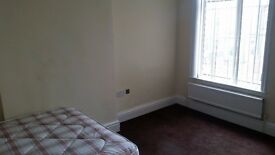 HEATON BOLTON CLOSE TO BOLTON SCHOOL NICE DOUBLE ROOM IN SHARED HOUSE WITH NO BILLS TO PAY WIFI INC
