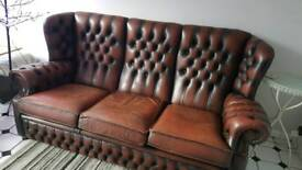 VINTAGE 1950s CHESTERFIELD STYLE LEATHER TAN SETTEE/SOFA