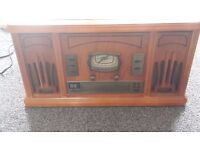Retro Style Music M8 Record Player with Radio and cd.