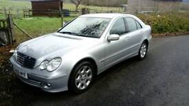 MERCEDES-BENZ c200 AUTO ELEGANCE IN EXCELLENT CONDITION INSIDE AND OUT.