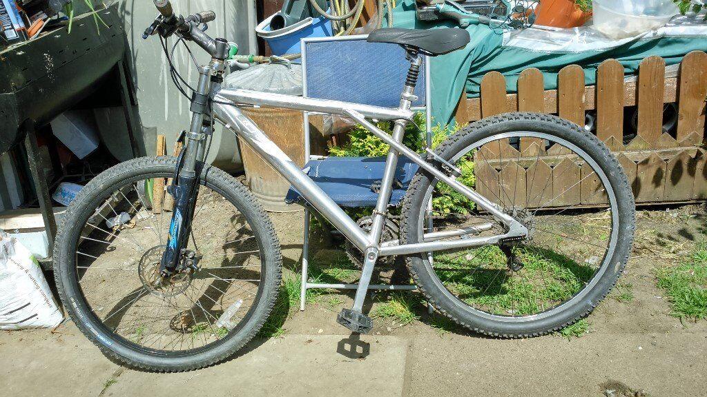 GT hybrid mens bike, no offers
