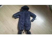 Winter pramsuit up to 4-5 months with gloves and boots