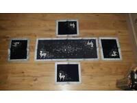 Christmas Reindeer Table Runner & 4 x Place Mat Set