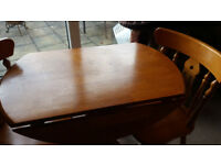 Solid Pine Round Dining Table w/2 Chairs 90 cm